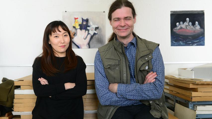 Fürther Künstlerinnen und Künstler luden ein zum Gastpiel 2017 und bekamen jede Menge Besuch. Hier in der Friedrichstraße 17 bei Axel Voss und Sejin Kim.
