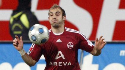 Nur noch 14 Spiele für den Club? Javier Pinola hätte wohl keine große Lust auf eine weitere Saison in der 2. Liga.