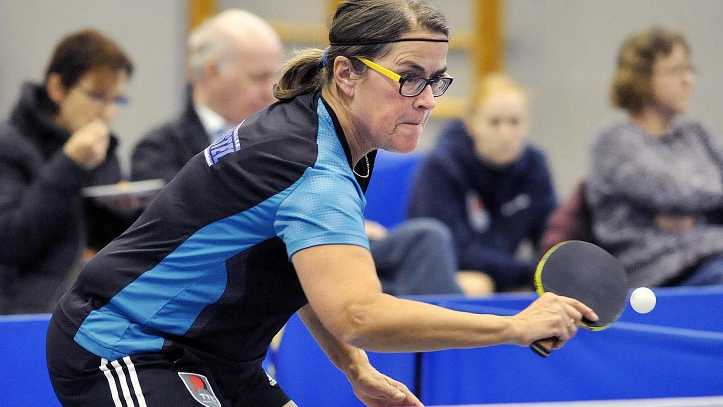 Keine Spitzenspielerin, kein Erfolg: Der TTC Neunkirchen verliert, Zeljka Dragas fehlt in der Partie gegen den TSV Lauf. Nur Petra Rubin (im Bild) kann punkten.