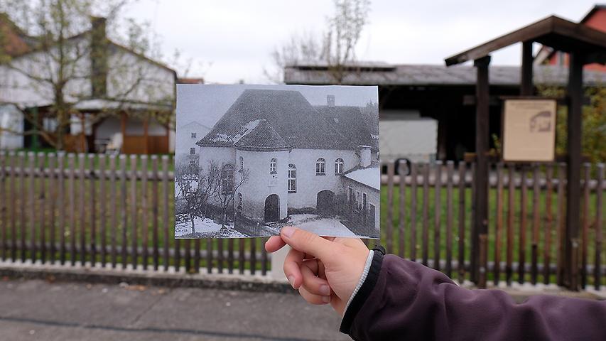 Heute befinden sich in der Uhlengasse ein Wohnhaus und ein Garten. Früher stand genau dort (um 90 Grad gedreht) die Treuchtlinger Synagoge.