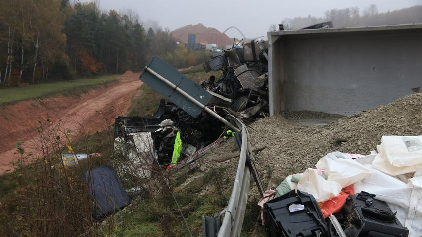 Lkw-Unfall auf der A3: Drei Menschen sterben bei Weibersbrunn