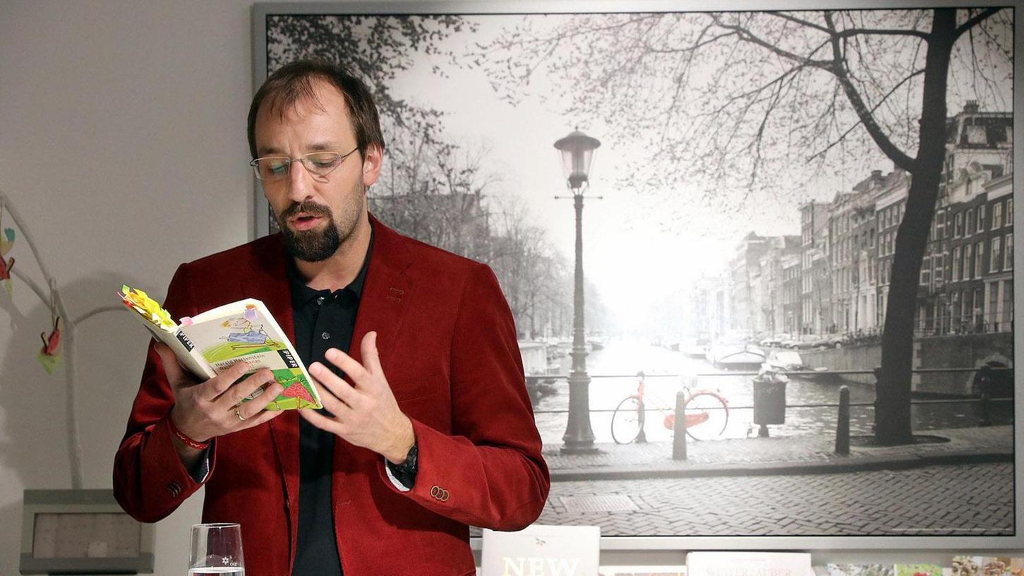 Lebendiges Vorlesen: Philipp Ahrend demonstrierte es bei Bücher, Medien und mehr.
