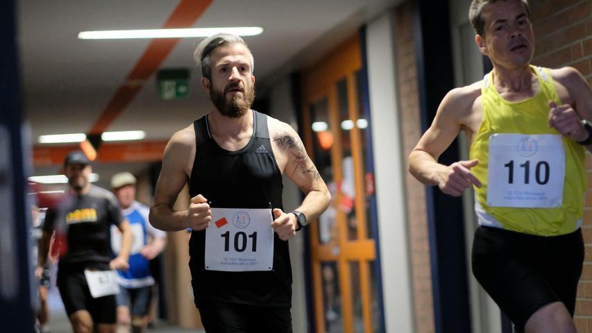 Kurvig und treppenreich: Der Indoor Marathon in Nürnberg