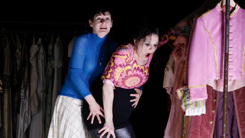 Julia Bartolome und Josephine Köhler sind beide Vollblut-Schauspielerinnen - Bartolomes Vielseitigkeit darf das Publikum auch in der neuen Spielzeit genießen.