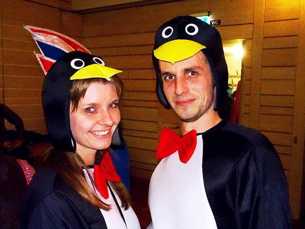 Aufgefallen sind Andrea und Daniel Wagner schon im vergangenen Fasching, als sie als Pinguin-Pärchen zum Rosenmontagsball erschienen.