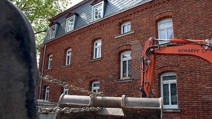 Die Altbausanierung - wie hier am Schießplatz - hat im mit Baudenkmälern reich gesegneten Fürth noch immer Konjunktur. Bei der Fensterwahl kennt die Stadt nun kein Pardon mehr.