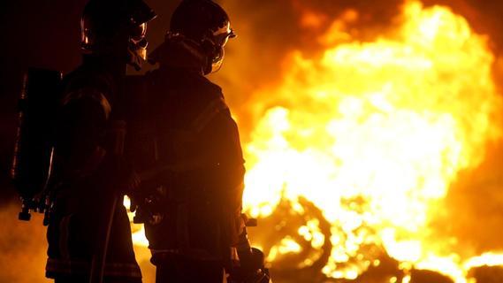 Brand in Heideck: Zwei Männer leicht verletzt