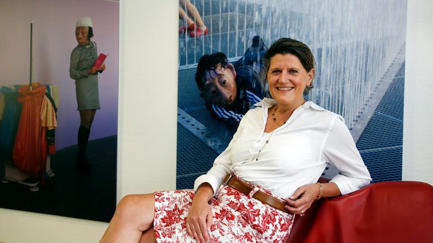Zu den führenden Frauen in Franken zählt auch Christine Bruchmann. Sie ist seit 2005 geschäftsführende Gesellschafterin derNürnberger Unternehmensgruppe Fürst mit rund 4350 Mitarbeitern. Geboren 1959 in Nürnberg, führte sie ihr Weg nach dem Studium unter anderem zu Gillette und Randstad (als Geschäftsführerin Vertrieb), bis sie schließlich wieder in Nürnberg landete. Frauen an der Spitze findet Bruchmann oft
