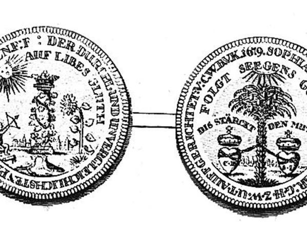 Krohnemann-Münzen (aus der Fikenscher-Biografie) und ein Porträt des Markgrafen Christian Ernst.