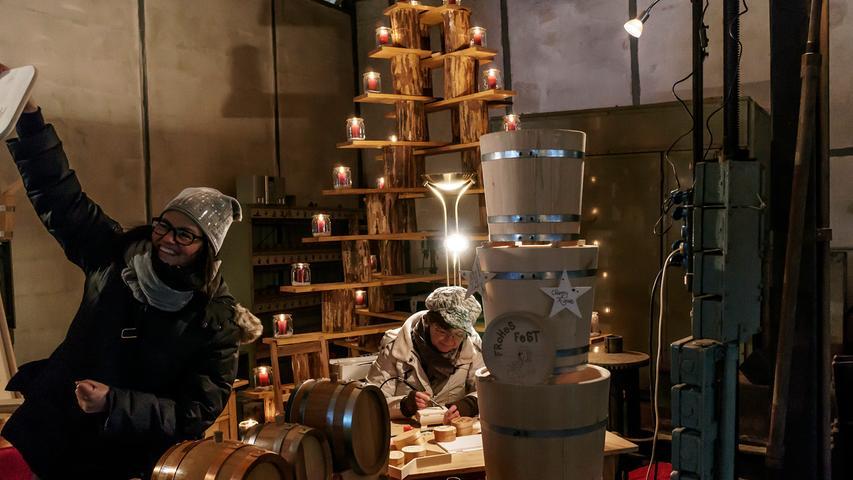 Lichterglanz auf Maffei: Die zwölfte Bergwerksweihnacht wurde zwar vom Schnee gebeutelt, lockte dafür aber nur so viele Besucher, dass man entspannt durch das Weihnachtsdorf schlendern konnte.