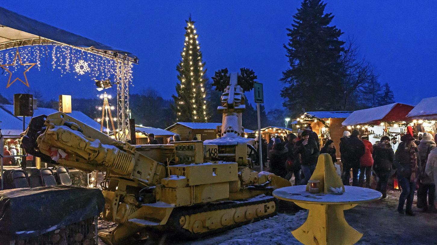 Am schönsten ist die Bergwerksweihnacht in Auerbach zur Blauen Stunde.