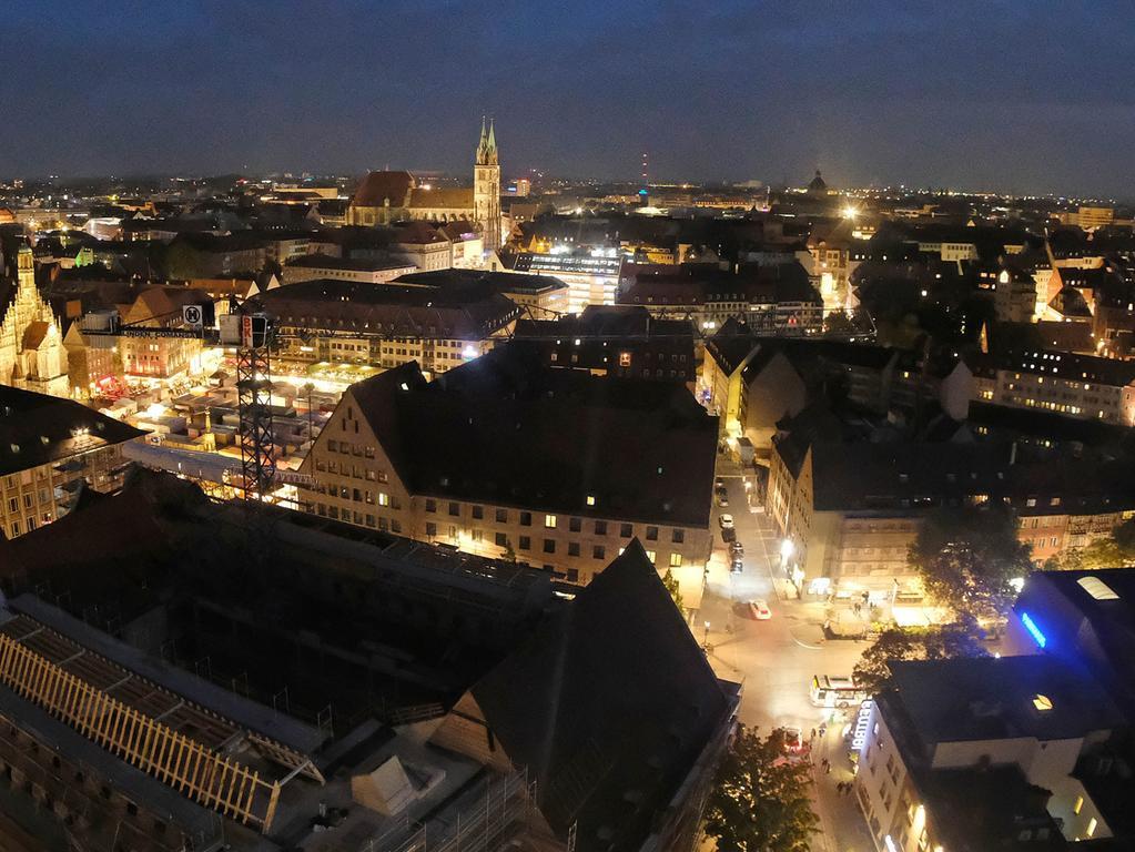 Motiv: Stadt(ver)führungen....Fotografen erhalten exklusiven Zutritt zum Turm der Sebalduskirche....Stadtverführung Stadtführung Sebalduskirche Südturm Nürnberg bei Nacht .. ....Datum: 24.09.2017.. ..Fotograf: Roland Fengler....Ressort: Lokales ....Exklusiv