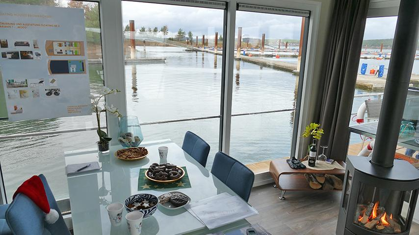 Seeblick garantiert: Vom Frühstückstisch aus kann man auf den Großen Brombachsee schauen.