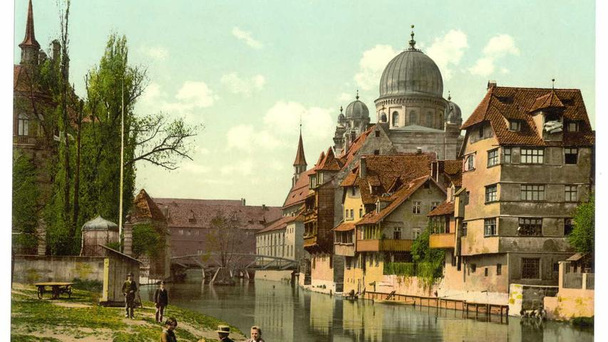 Dort, wo jetzt die Frauenkirche steht, erhob sich bis ins 14. Jahrhundert eine Synagoge über den Dächern der Innenstadt. Um sie herum befand sich von 1174 bis 1349 das Judenviertel. In der berüchtigten