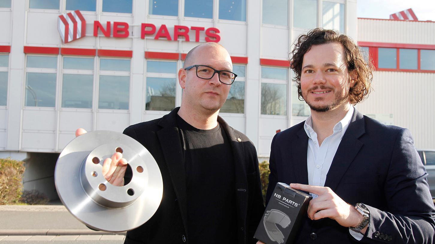 Zurück zu den Wurzeln: Unternehmensgründer Ulf Magaschütz (li.) und Michael Schindler vom Vertrieb vor dem Firmensitz. Das Unternehmen war zwischenzeitlich in Adelsdorf angesiedelt, kam aber nach Forchheim zurück.