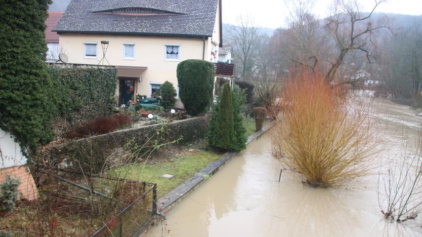 Viel fehlte am Samstag in Pappenheim nicht mehr und manchen Altmühl-Anwohner wäre es nass hineingegangen.