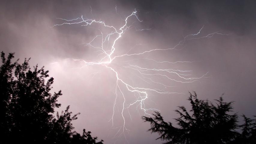 Auch Blitzschlag und Starkregen habe es in diesem Sommer im Gebiet des Zweckverbands gegeben - man sei gut durchgekommen, hieß es.