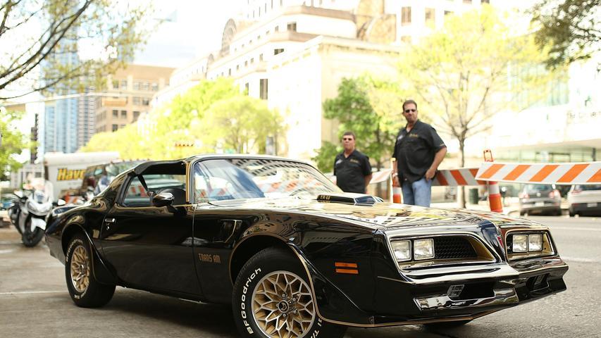 Es war der US-Schauspieler Burt Reynolds, der den Pontiac Trans-Am einem Millionenpublikum bekannt machte, und der Actionfilm