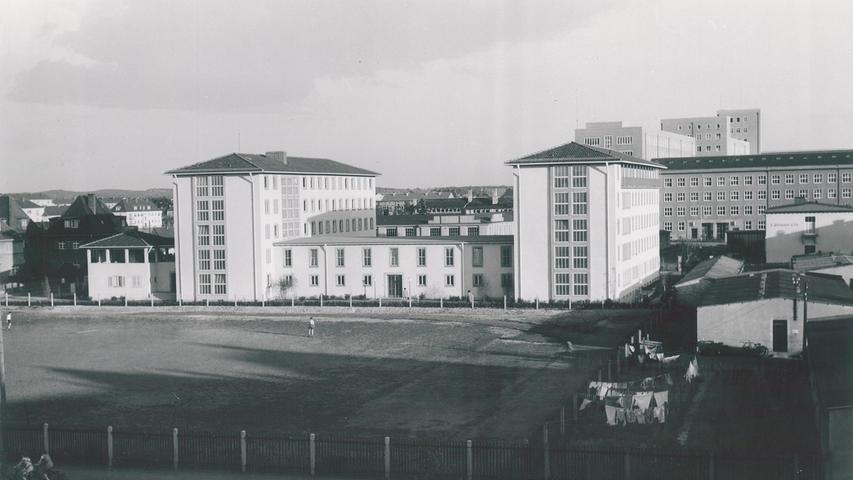 Alexandrinum historisch Studentenwohnheim Erlangen Universität Studentenwerk Auszug Renovierung Schließung Walter-Flex-Straße 1, 91052 Erlangen, Aufgenommen: 1952