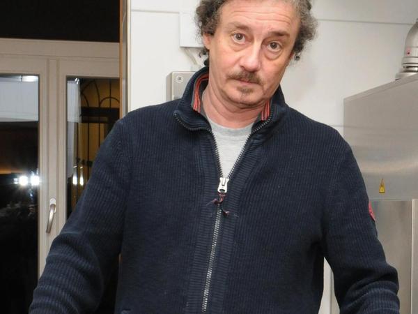 Essen für die Armen. Ulrich Süttner leitet das Nachtasyl im Domus.