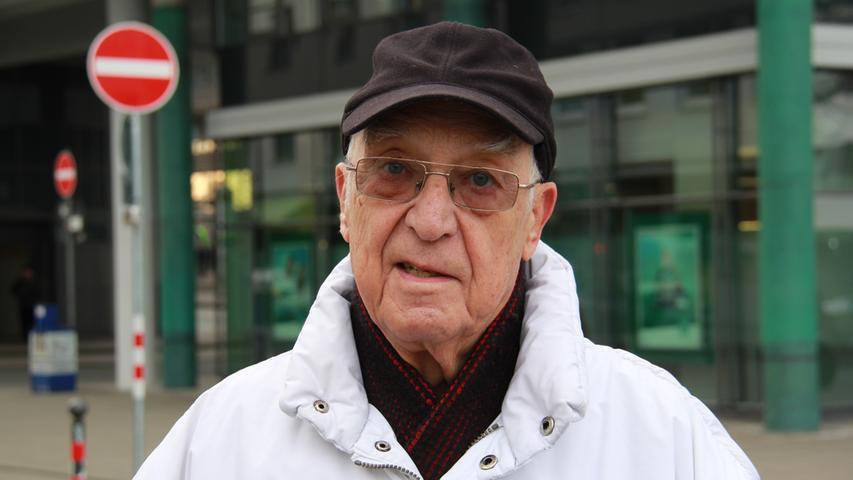 Klaus Kirchner, am Willy-Brandt-Platz: