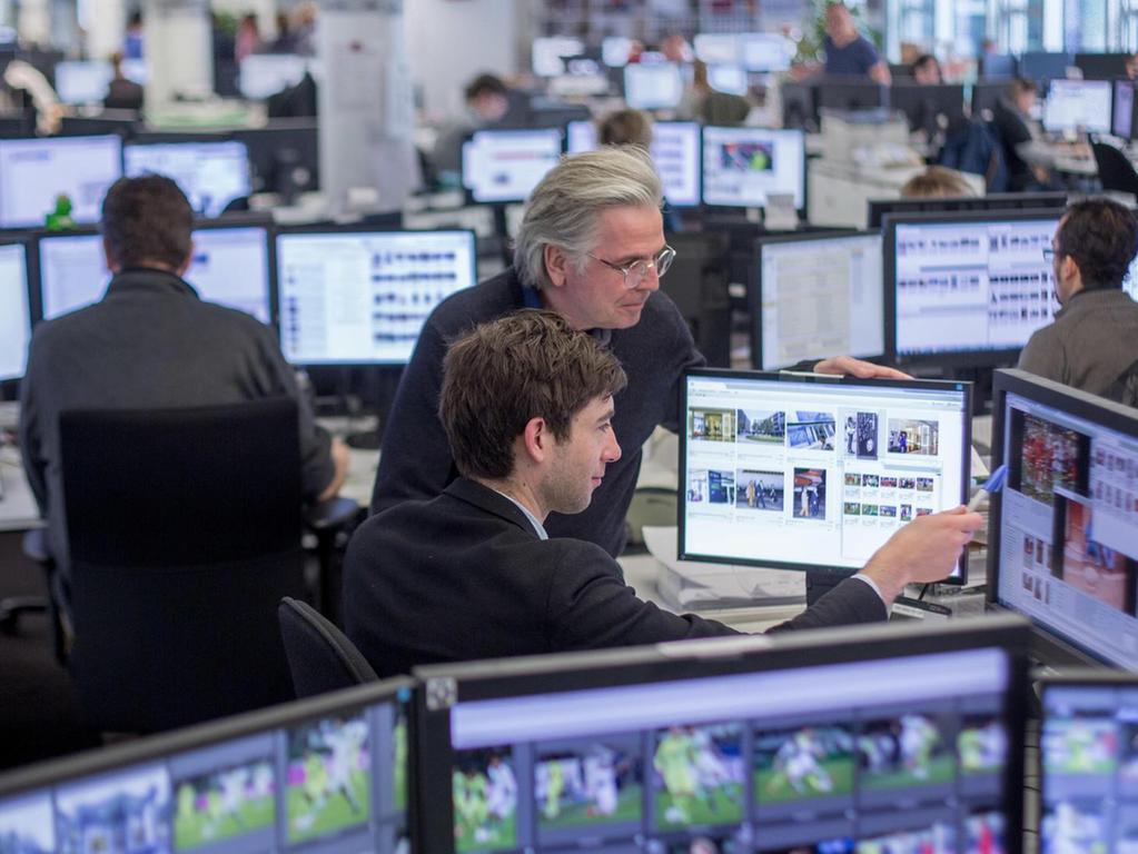 Große Newsdesks sind mittlerweile normal: Die Nachrichtenagentur dpa hat schon vor Jahren umgebaut.