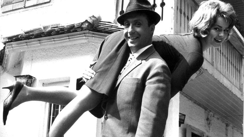 Mit Schauspielerin Cornelia Froboess (hier in einer Szene mit Peter Alexander aus dem Film