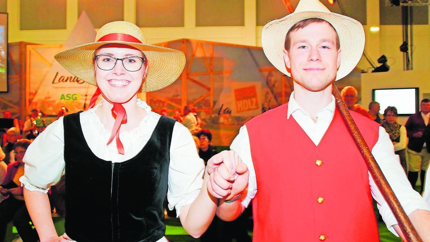 Wie diesem Paar machte der Auftritt auf der Grünen Woche allen Schäfertränzern riesige Freude. Sie nahmen vom Besuch der Bundeshauptstadt viele schöne Eindrücke mit nach Hause.