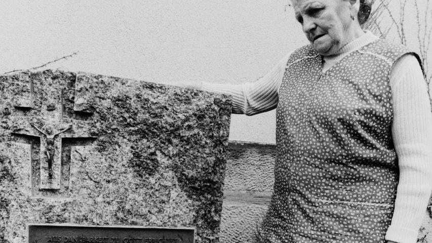 75 Jahre danach wird in diesen Tagen allerorten an die Schlacht von Stalingrad erinnert. Auch aus dem Raum Pegnitz waren dort zahlreiche Soldaten eingesetzt, nur wenige von ihnen kehrten zurück. Einer der Glücklichen war der Leupser Gastwirt Veit Wolfring, der daraufhin im Vorgarten des Lokals einen Gedenkstein errichten ließ. Er trägt die Aufschrift: