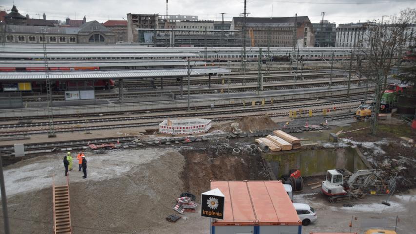 Bei Bauarbeiten am Hauptbahnhof Nürnberg wurde am Rosenmontag 2018 eine Fliegerbombe gefunden. Die geplante Entschärfung verzögerte sich aufgrund einer Vielzahl von Krankentransporten bei der Evakuierung. Während der Entschärfung am Abend war der Zugverkehr komplett eingestellt und der Luftraum über Nürnberg gesperrt. Es handelte sich um eine amerikanische 45-Kilogramm-Bombe mit 20 bis 25 Kilogramm Sprengstoff.