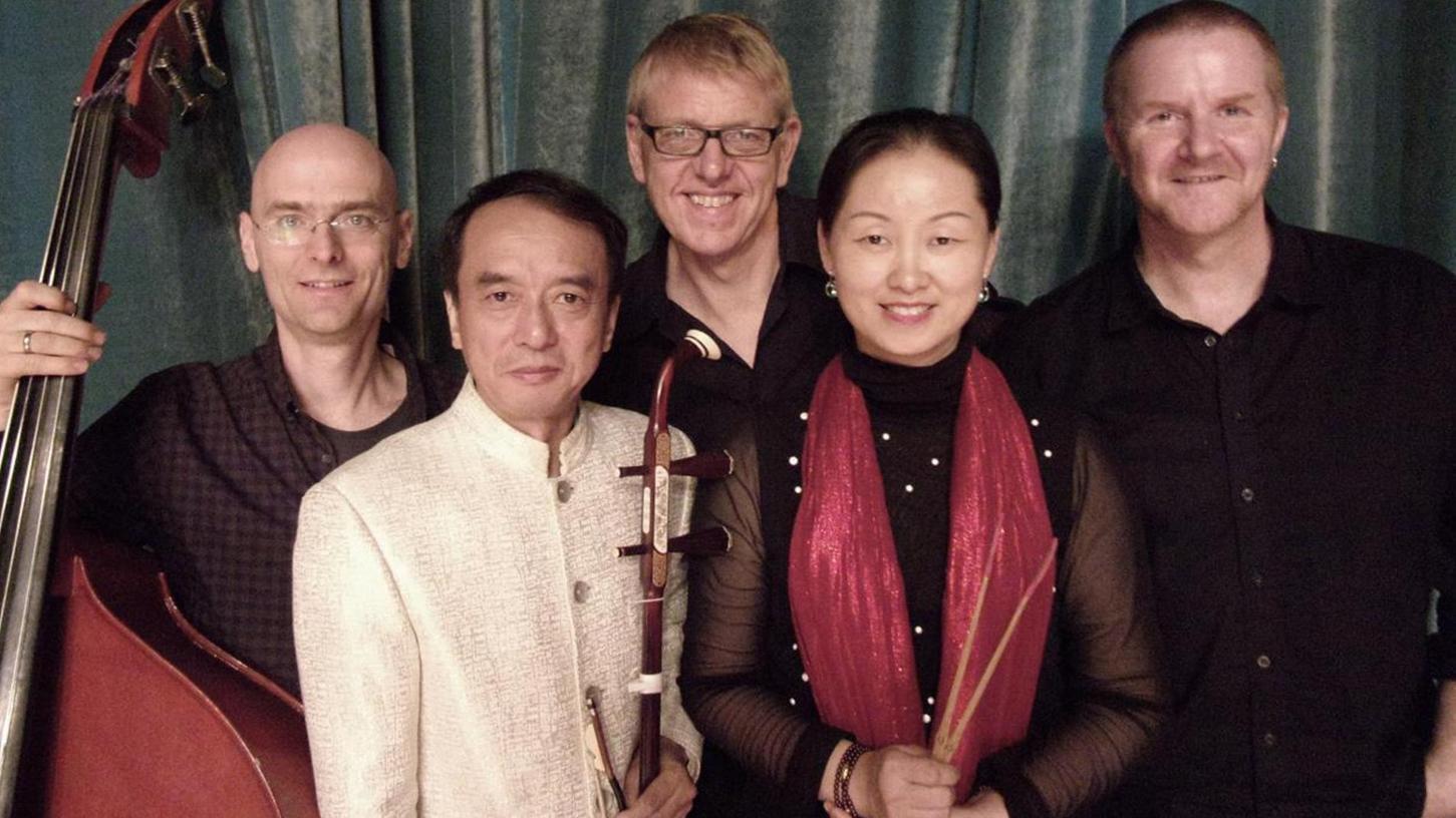 """Wollen zwei Kulturen über die Musik zusammenbringen: Die Musiker des """"Chinermany""""-Quintetts."""