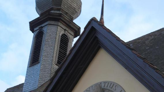 Klamme Kassen bei der Kirche: Liegenschaften werden zu Geld gemacht