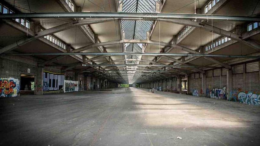 Denn die Planungen für den neuen Stadtteil, der auf dem Areal des Südbahnhofs entstehen soll, sehen den Erhalt der Hallen – bislang jedenfalls – nicht vor.