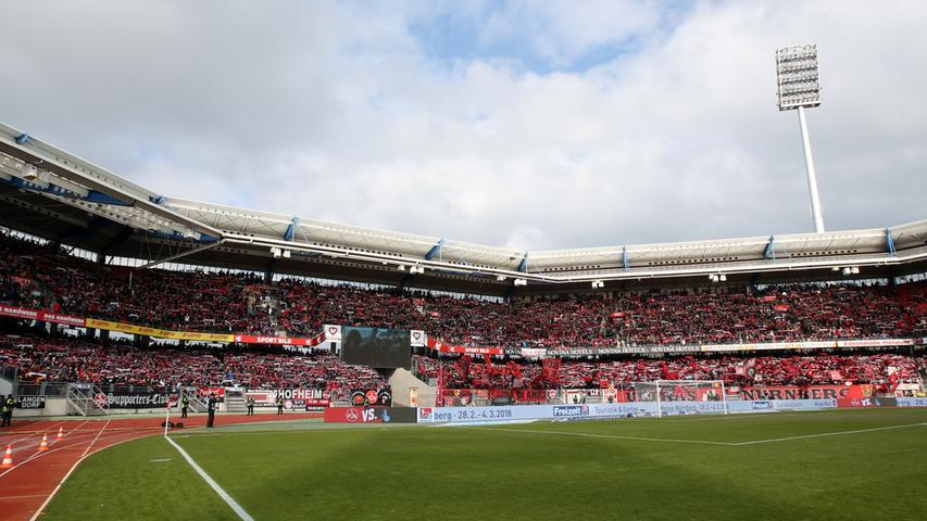Sonne, Sonntag, Spitzenspiel: Am 23. Spieltag bekommt es der 1. FC Nürnberg mit dem MSV Duisburg zu tun. Auf dem Papier schon mal eine hochklassige Paarung: Der Club ist vor dem Spiel seit neun Zweitliga-Partien ungeschlagen, die Zebras seit sieben Begegnungen. Reißt eine dieser Serien?