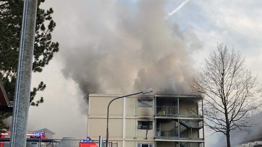 Brand in Asylbewerberunterkunft: Großeinsatz in Zirndorf