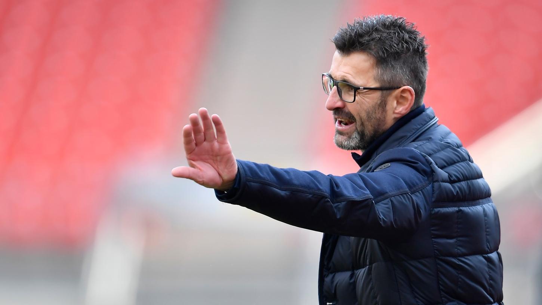 Kann sich eine Spitze gegen den geringen Zuschauerzulauf nicht verkneifen: Club-Trainer Michael Köllner.