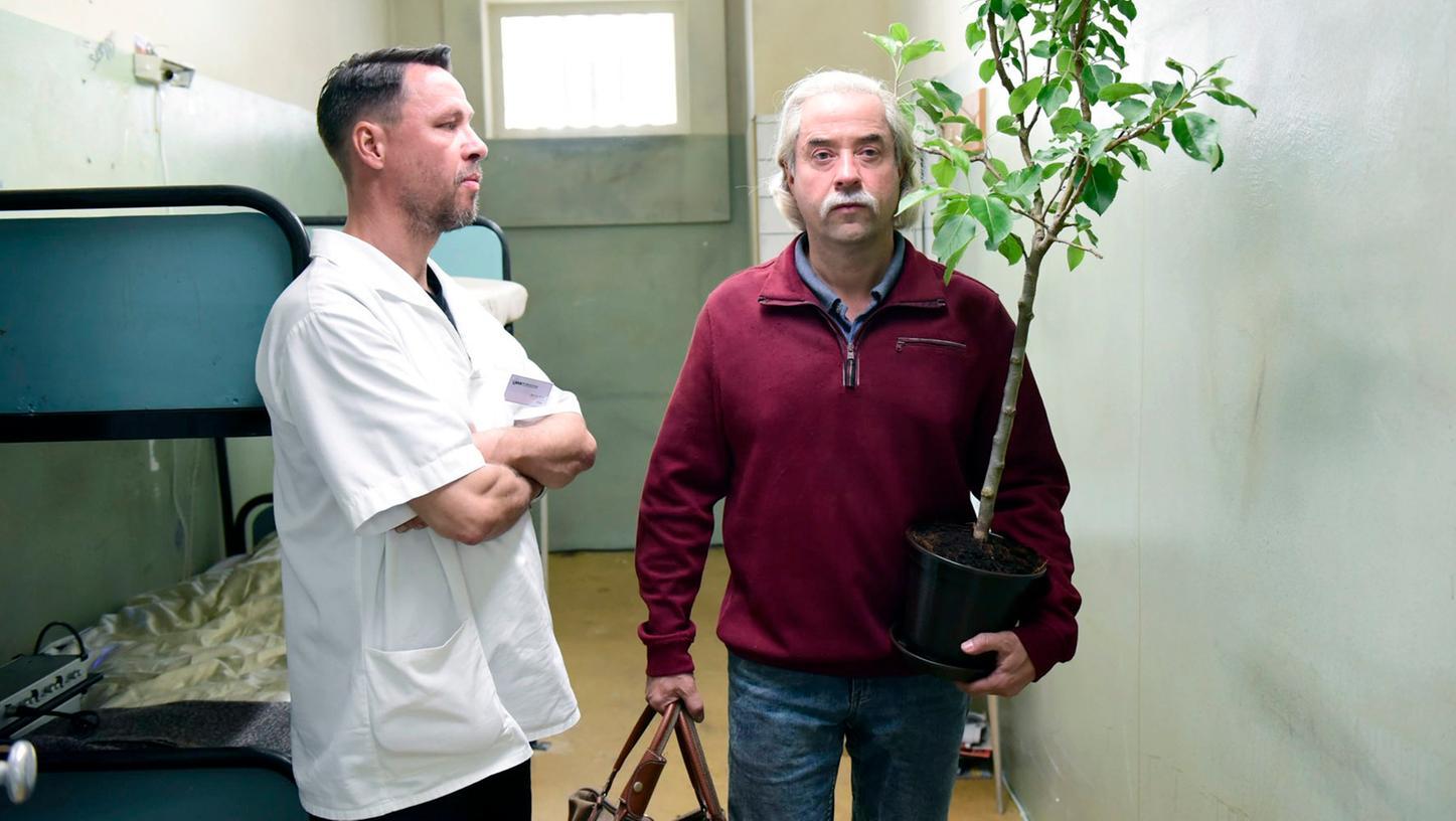 Diese Szene ist sicherlich noch vielen Deutschen im Gedächtnis: Gustl Mollath, im Film heißt er Wastl Kronach, läuft mit seiner Pflanze in die Freiheit.