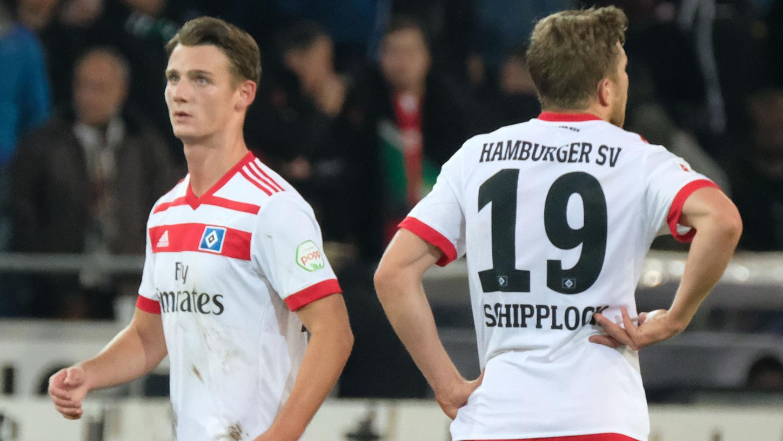 Ist bald offenbar im Trikot des 1. FC Nürnberg aktiv: HSV-Stürmer Törles Knöll (links).