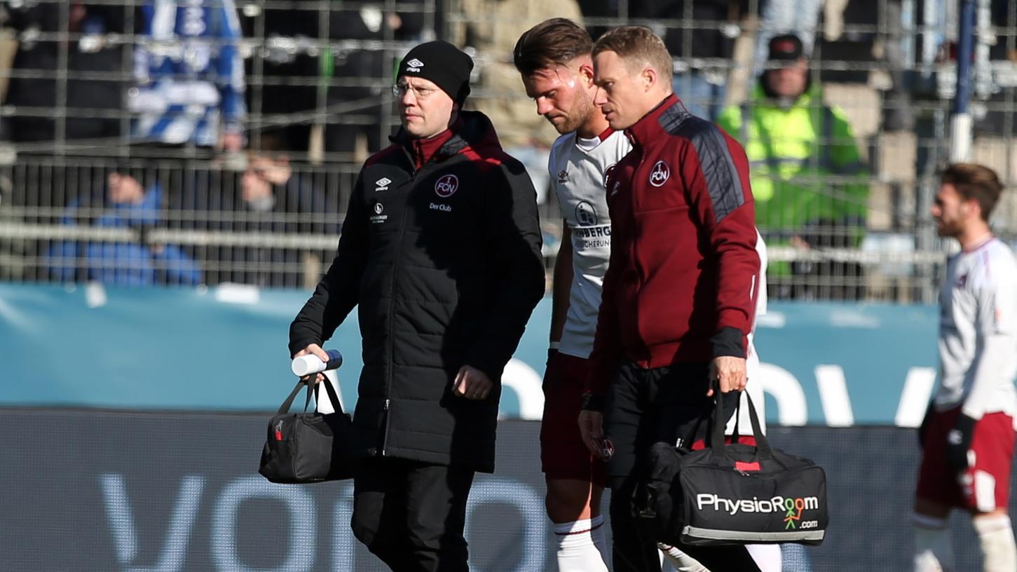 Hoffen für das Derby: Beim Spiel in Bochum musste Eduard Löwen verletzungsbedingt vorzeitig ausgewechselt werden.