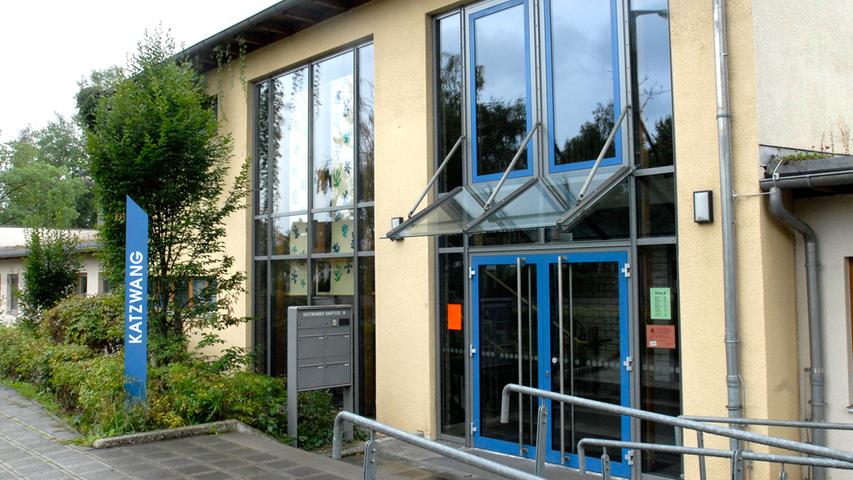 Wie der Name bereits erraten lässt, ist die Grundschule Nürnberg-Katzwang im Stadtviertel Katzwang beheimatet.  Zur Homepage der Grundschule Nürnberg-Katzwang.
