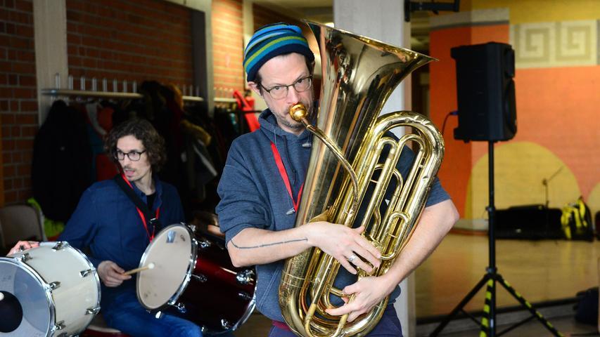 Auch Don Godwin ist mit seiner Tuba als Dozent mit dabei.