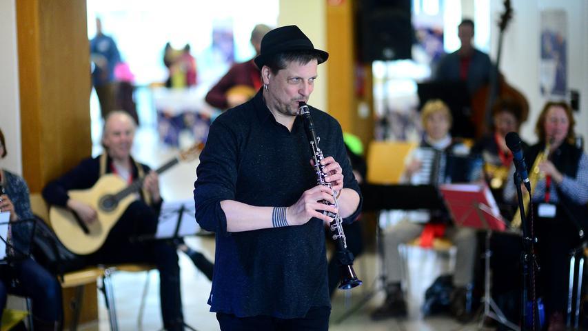 Zwei Tage lang dauert der Workshop Klezmermusik, bevor die Teilnehmer am Sonntagabend (19 Uhr) in der Aula des Schliemann-Gymnasiums ein Abschlusskonzert geben (Eintritt frei).