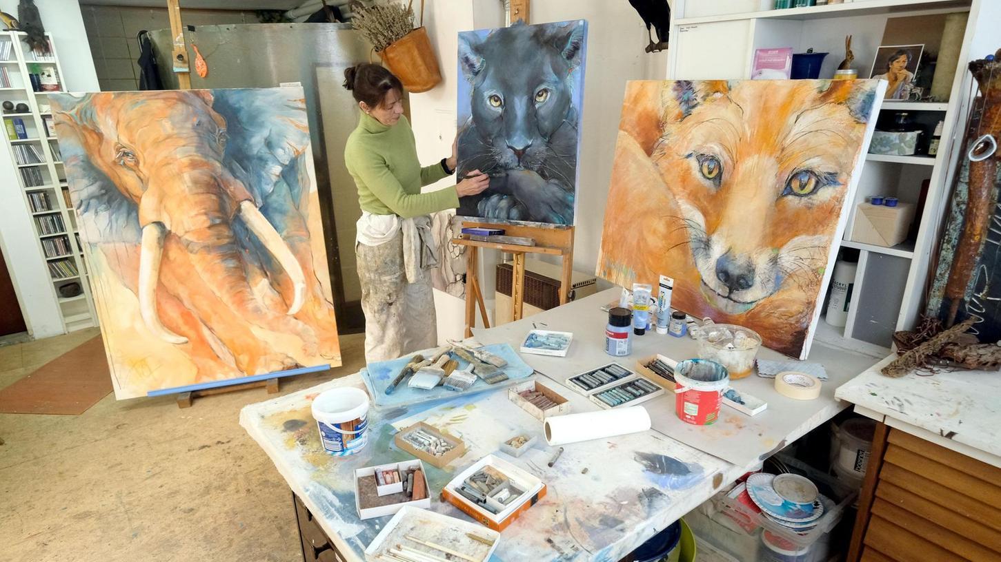 Kommen, schauen, plaudern: Bei den Ateliertagen hoffen die Südstadt-Künstler, wie hier Kirsten Schoppmann, auf interessierte Besucher.