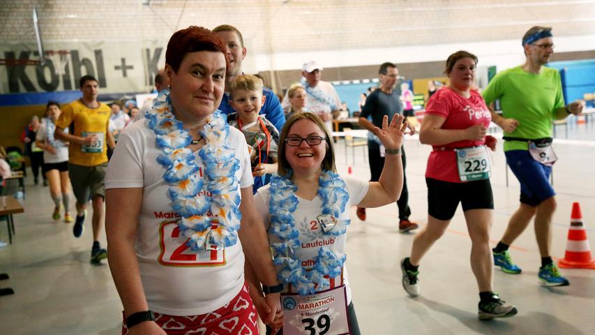 Down-Syndrom-Marathon, 6-Stunden-Lauf, Halbmarathon in der halle vom TV Fürth 1860..Foto: (c) RALF RÖDEL / NN (18.03.2018)