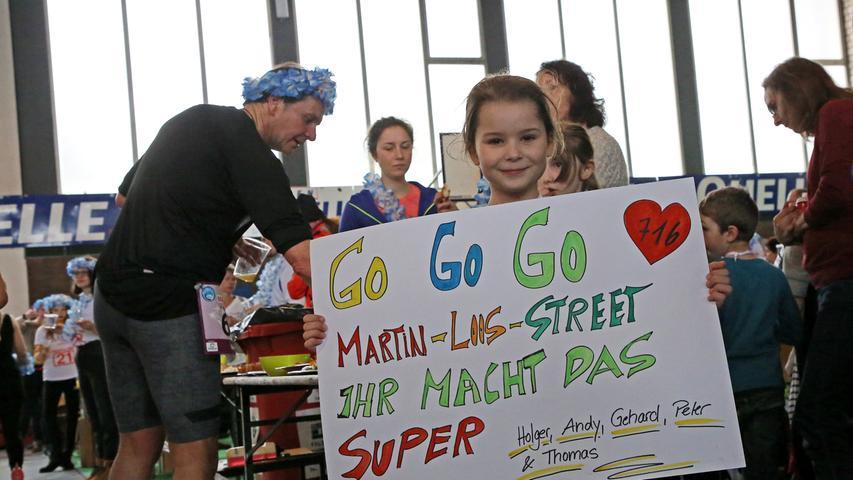 Am Sonntag beim Down-Syndrom-Marathon mussten die Läufer dann wegen des Schneefalls in die 60er-Halle ausweichen.