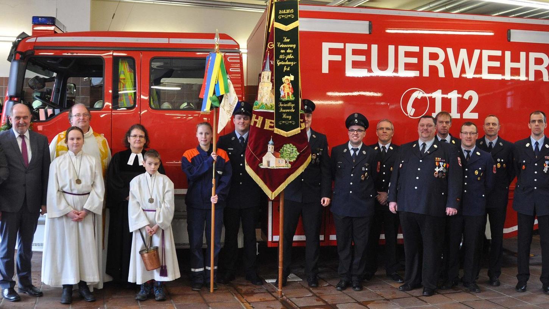 Der neue GW-L1 der Feuerwehr in Postbauer-Heng erhielt den kirchlichen Segen.