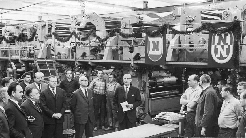 Das große Wachstum der Leserschaft bedarf ebenso großer Investitionen. Eine neue Rotationsmaschine wird angeschafft und bei einer Feierstunde eingeweiht. Sie druckt 80.000 Zeitungen pro Stunde - zur damaligen Zeit eine große Leistung.