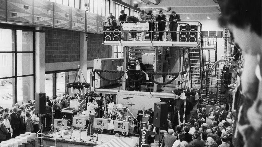 1986 wird das neue Druckhaus in der Blumenstraße eingeweiht - die damals ziemlich bekannten