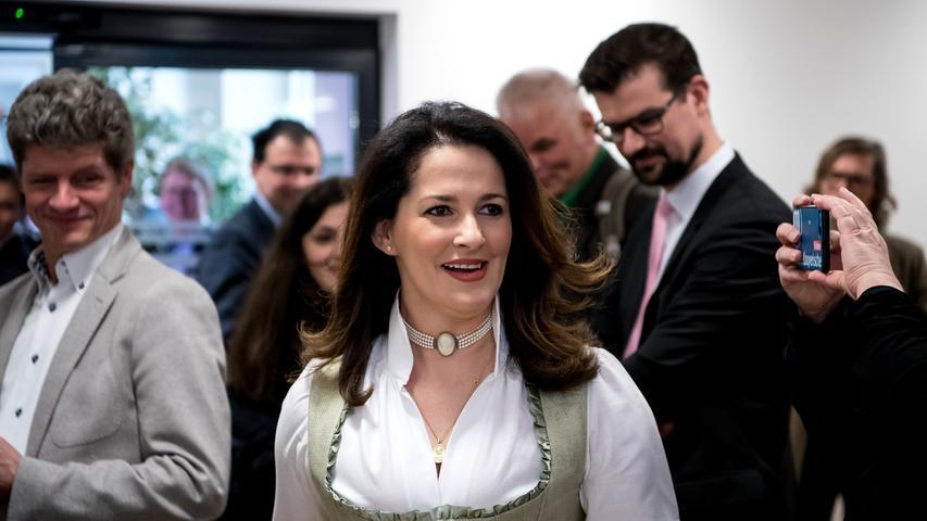 Auch Michaela Kaniber bleibt im Kabinett und übernimmt weiter den Posten im Ministerium für Agrar und Forst.