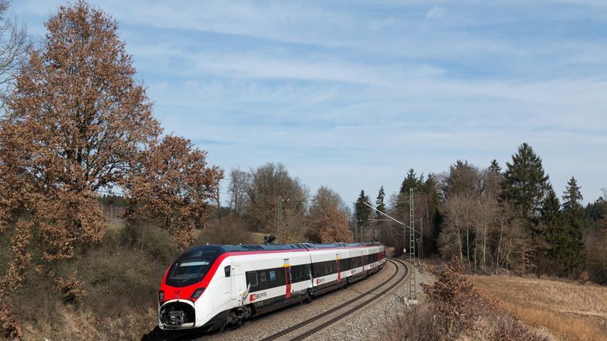 Für den schnellen Fernverkehr durch den Gotthardtunnel beschaffen die Schweizer  Bundesbahnen aktuell neue Züge des Typs